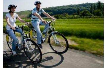Kerékpártúra a Velencei-tó körül!