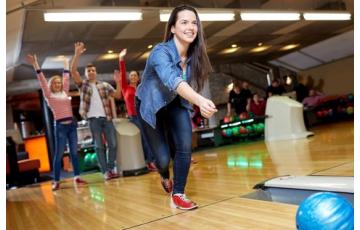 Gyere velünk bowlingozni!