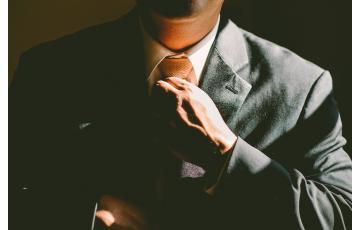Mire vágyik a NŐ? – Az ellenállhatatlanul vonzó férfi titka nőktől CSAK férfiaknak!